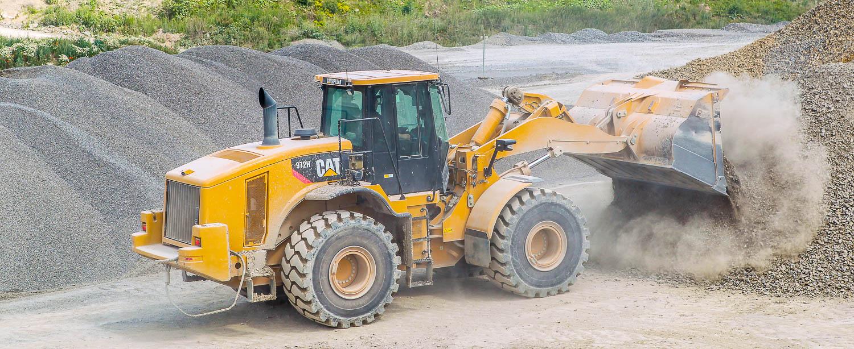 Produktionsablauf - Verladen und Verwiegen | CAT-972h Radlader Schotterwerk-Mayer