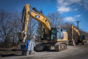Ripper XR-50 an Kettenbagger CAT 349