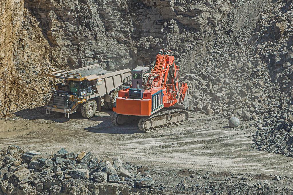 Stellenanzeige Muldenkipperfahrer SKW Schotterwerk-Mayer