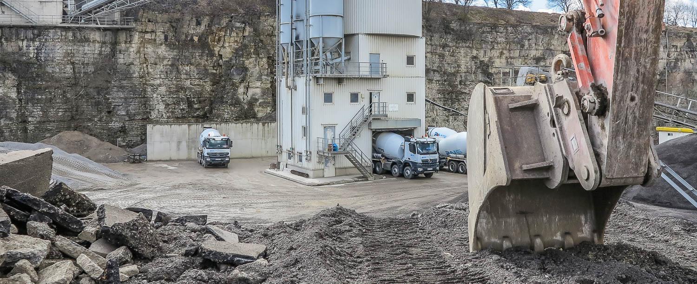 Transportbetonanlage Baggerschaufel Schotterwerk Mayer